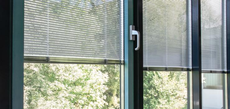 Fenster Mit Jalousie Im Scheibenzwischenraum